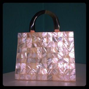 Mother of Pearl tiled mininbag 🐚👛